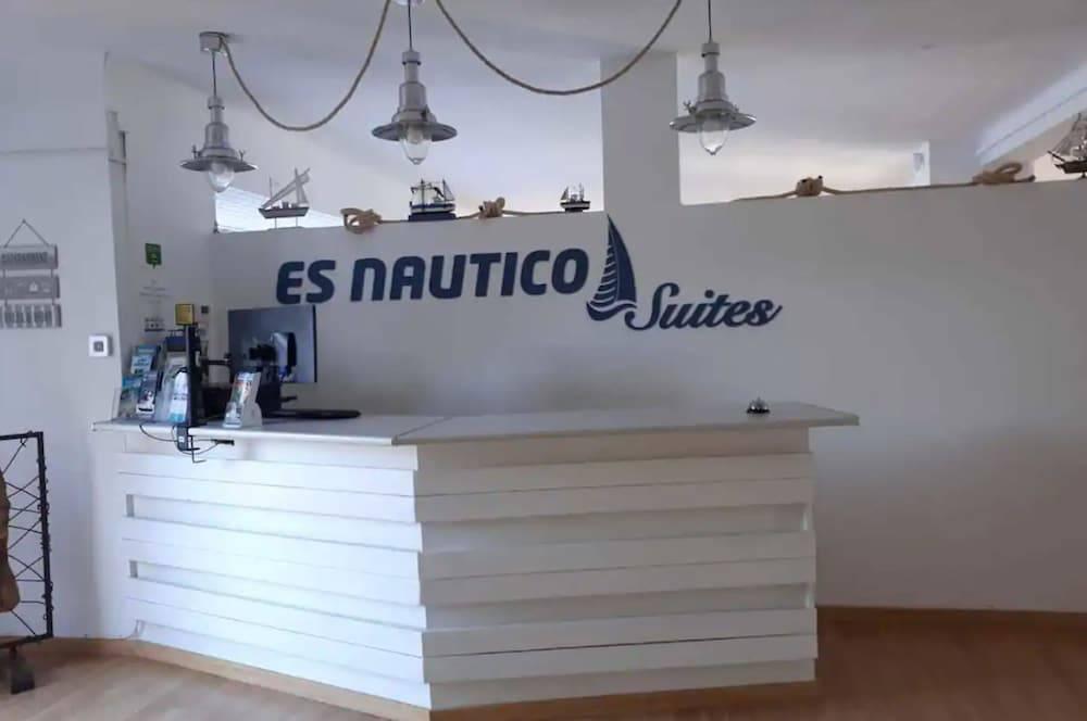 EsNautico Suites