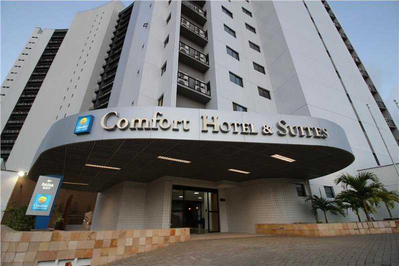 Frente Comfort Hotel & Suites Natal