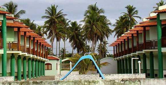 Residencial Localizado em frente à Praia de Guaibim.