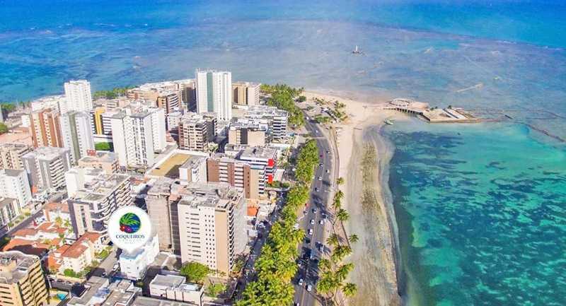 Hotel 3 estrelas, com café da manhã e piscina, localizado a apaenas 50m da Praia  de Ponta Verde