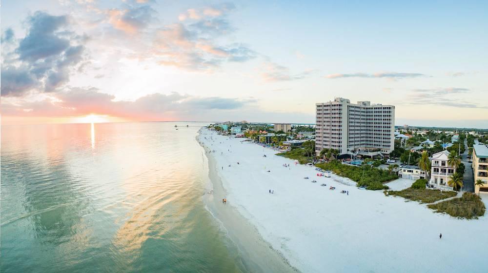 DiamondHead Beach Resort - Fort Myers Beach